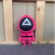 Мягкая игрушка Игра в кальмара с треугольником на маске 15 см (Красный)