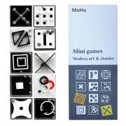 Набор развивающих игр и головоломок.