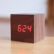 Деревянные часы мини-куб (Темное-дерево)