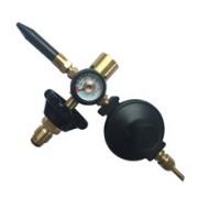 манометром, нажимным клапаном и редуктором