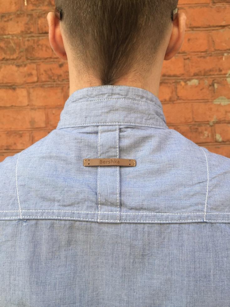 Модная мужская рубашка джинсового цвета