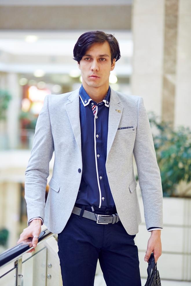 Стильная синяя мужская рубашка