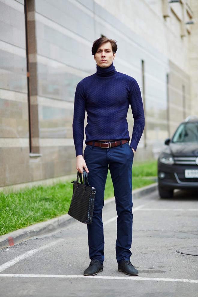 Стильный мужской синий кардиган с характерной текстурой
