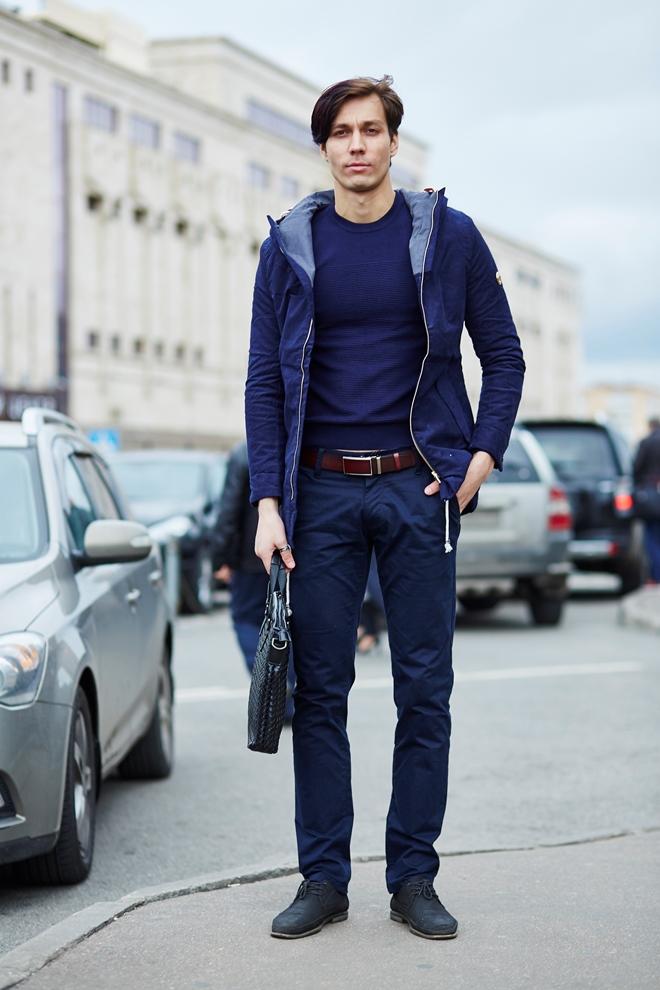 Стильная мужская куртка синяя осенняя
