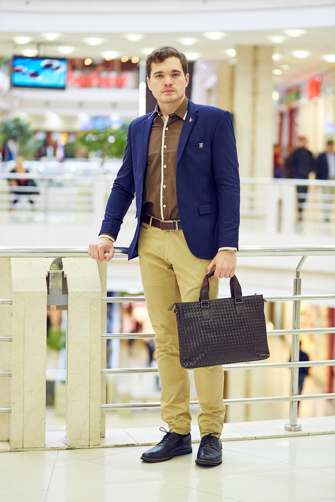 Стильная коричневая мужская рубашка
