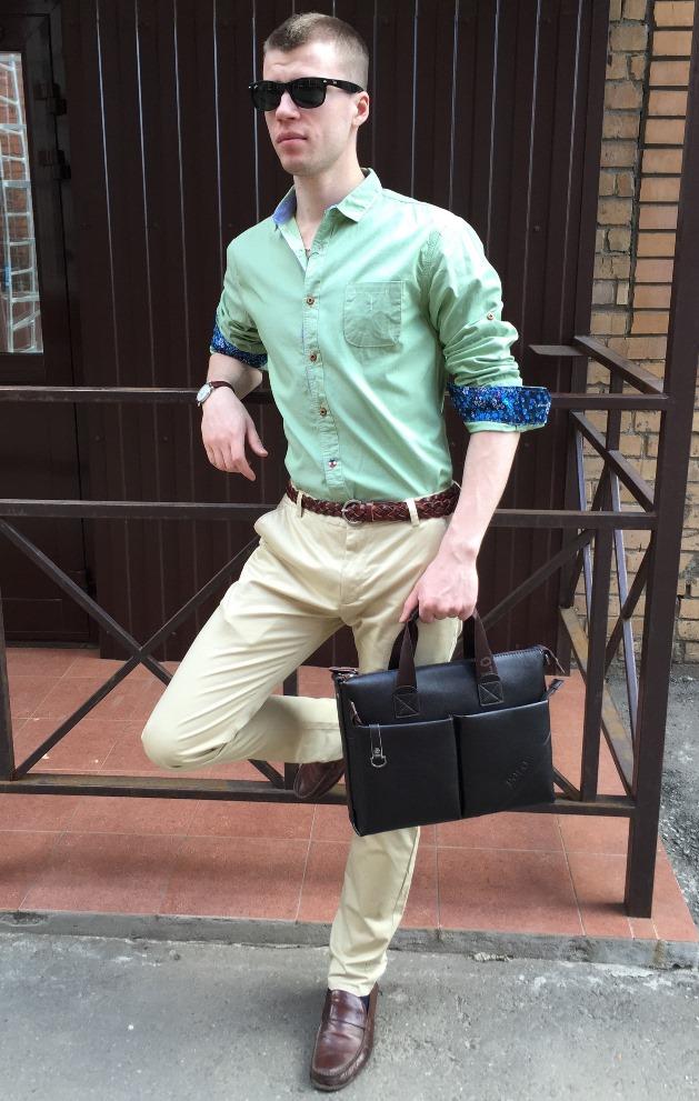 Стильные мужские брюки бежевые