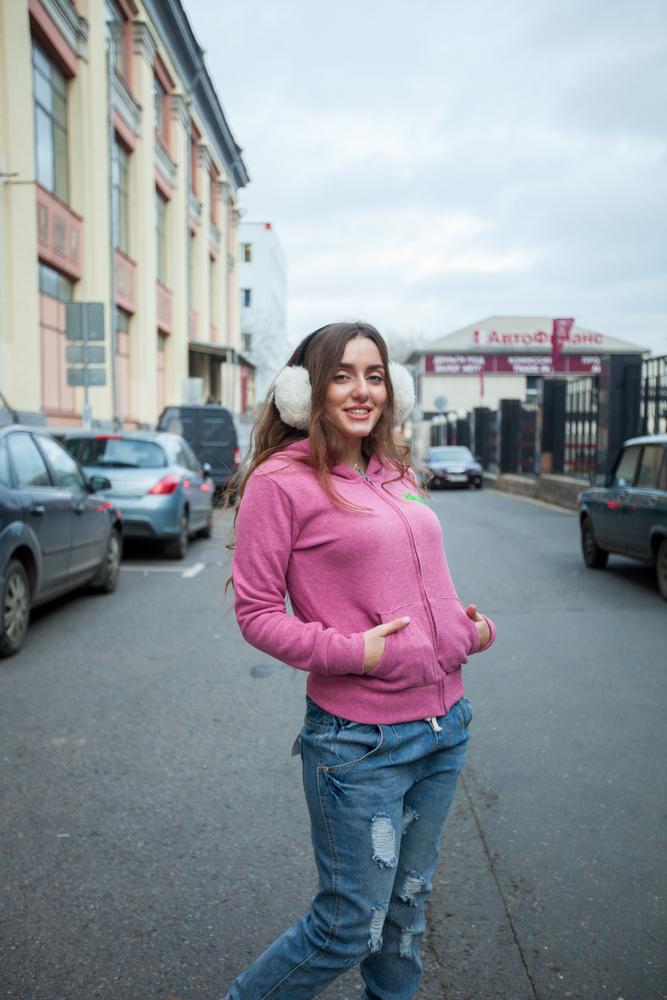 Стильная женская кофта розовая