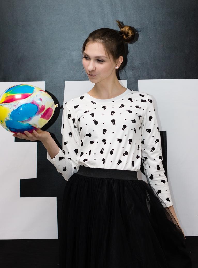 Стильные женские футболка модель 2