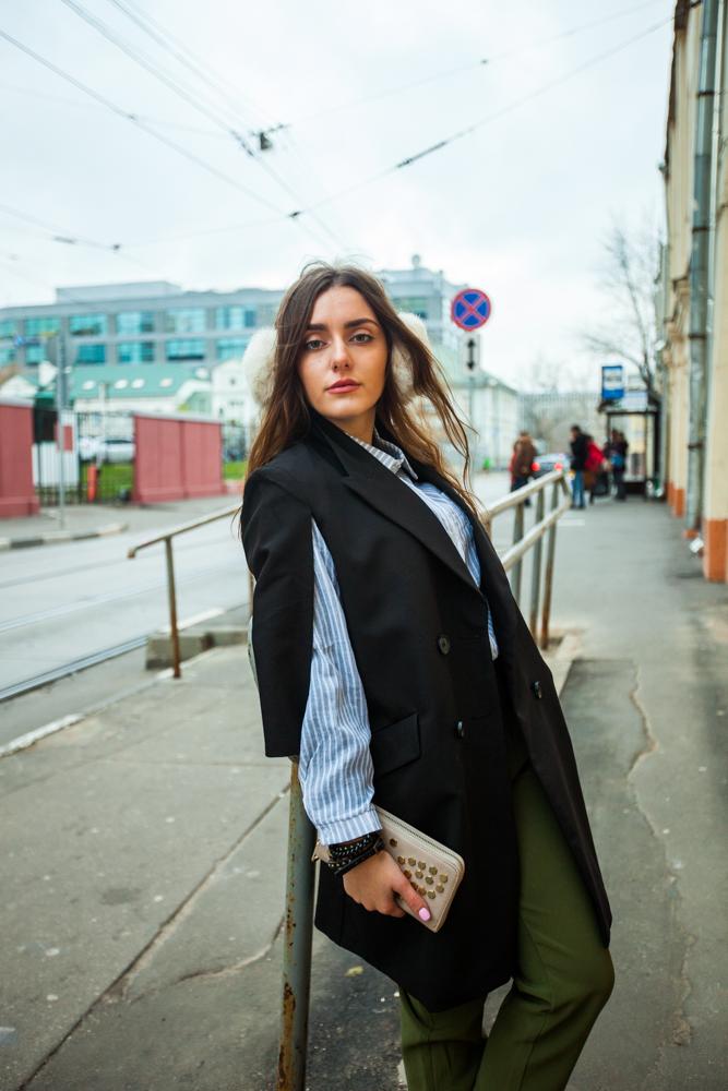 Стильное женское плащ пальто черное